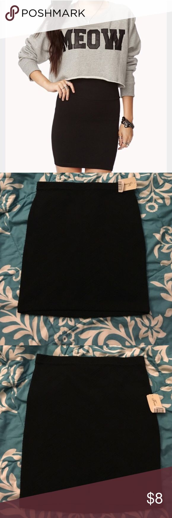 Black Skirt Brand new with tags, forever 21 black bodycon skirt. Perfect to pair with a tight top & heels for a night out! Forever 21 Skirts Mini