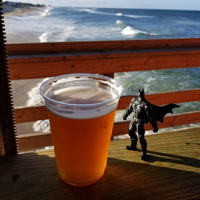 Coronado stingray IPA. The beer is pretty solid west coaster but the picture. Couldn't ask for a better place to have a beer right now. If you're going to catch the Bat out in the daylight this is the type of place you'll find him. Cheers batfans! 🦇🍻🦇🍻🦇🍻🦇🍻🦇🍻🦇🍻 #batmanandbeer #beer #sandiegobeer #hophead #hopheaven #beergasm #beerhere #hopheadsociety #hops #ipasfordays #ipa #stingray #darkknight #darkknightanddank #brew #juicy #smooth #juicebomb #dankknight #batmanandbrews…