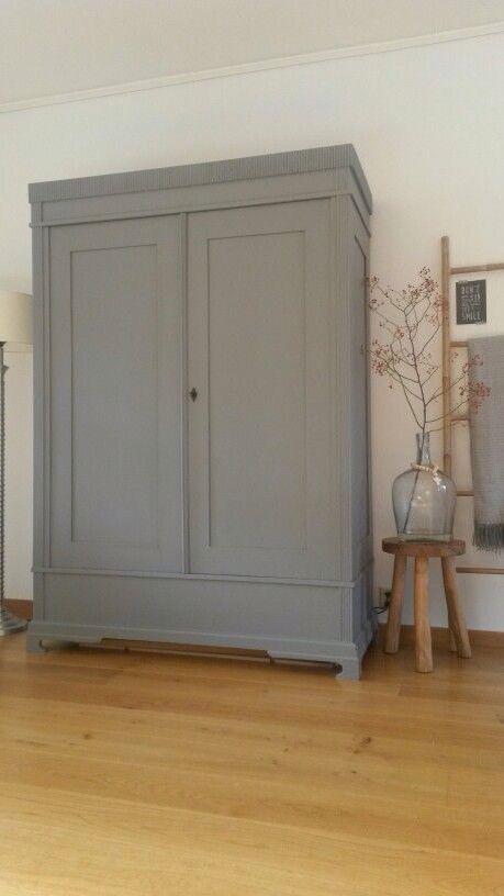 25 beste idee n over oude dressoirs op pinterest oude kastlades oude keuken tafels en - Oude meubilair dressoir ...