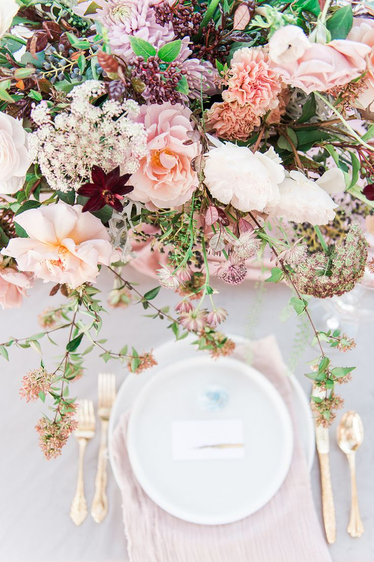wedding tablescape - photo by Jenny B Photos http://ruffledblog.com/ethereal-wedding-inspiration-with-vintage-accents