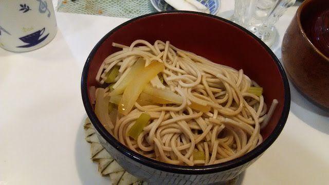 ホラー漫画家・神田森莉 不味そう飯: 不味そうなのはともかくワイルドすぎ。前夜の残りの大根の味噌汁に水を足して乾燥蕎麦を直接入れて茹でたも...