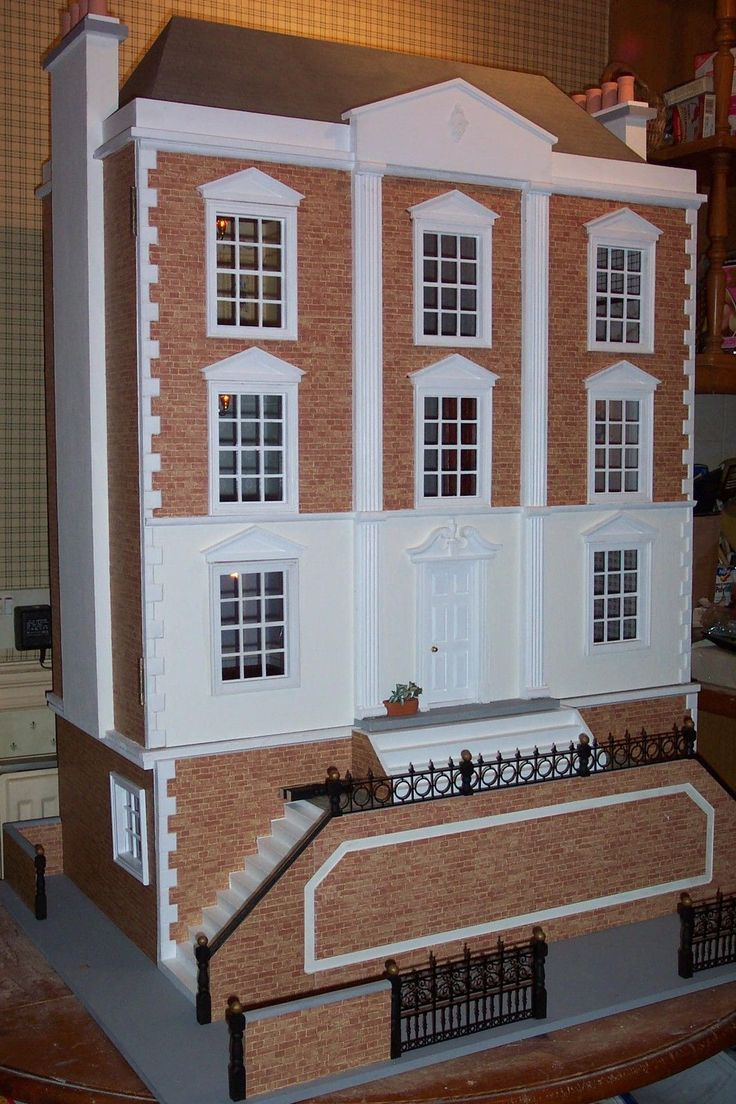 17 best images about dollhouse mansions on pinterest for Montgomery house