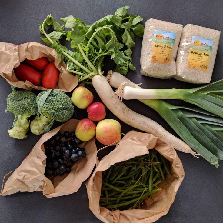 """""""We love Gemüsekiste 💚 #kleinaberfein #gemüsekiste #gemüse #obst #veganfood #veganlife #veganlunch…"""""""