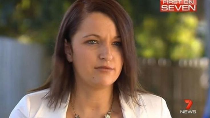 An Australian election candidate who was widely mocked after she mistook Islam for a country in a TV interview has withdrawn her candidacy.