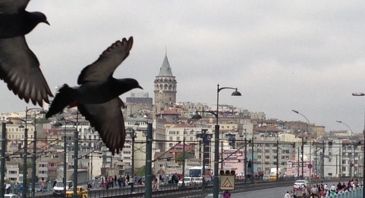 Yeni camiden galata kulesine bakis:))
