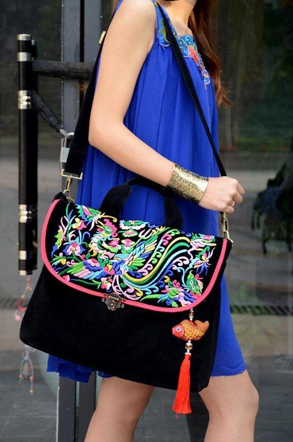 Embroidery bag folk style bag bag canvas bag di littlePurser, $45,99