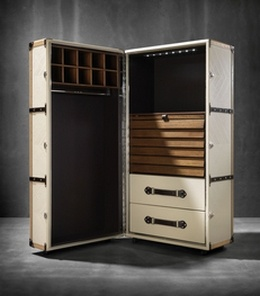 """""""Traveller Trunk"""" by Luxurious Living, UK"""