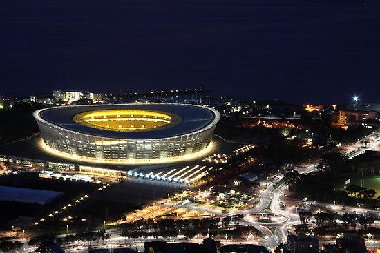 Ajax Cape Town Stadium Kaapstad , Komt Foppe de Haan terug?