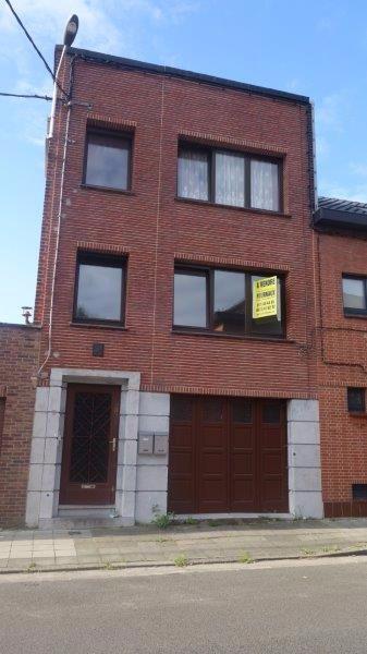 Immeuble à appartements de 2 façades  à vendre à Châtelet au prix de 150.000 € - (6546256)