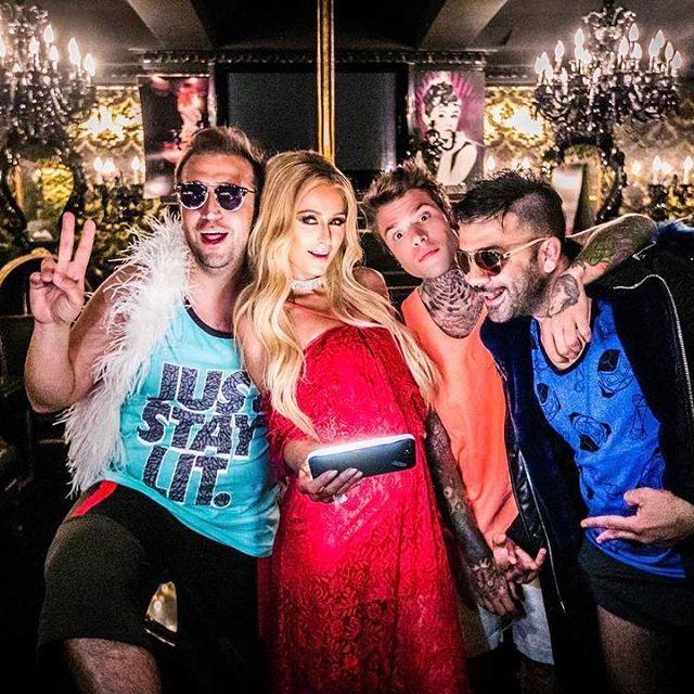 Scroccare a casa di Paris Hilton ✅  Il video più assurdo della mia vita   Senza pagare feat T-Pain coming soon #SenzaPagare