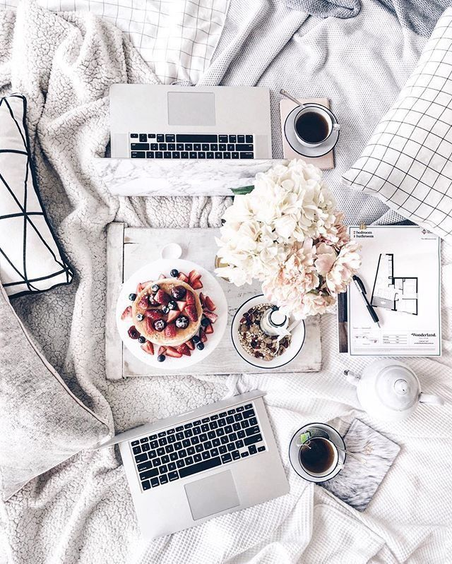 Flatlay GOALS! Does your lazy days look as good as THIS?!