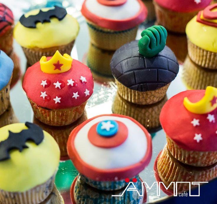Ecco che per questa festa di compleanno da Ammot Cafè, la location esclusiva per eventi sulla spiaggia, si è pensato di realizzare un evento con tema Supereroi.
