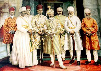 Nizam Of Hyderabad With His Golden Sword Made Of 3 kgs Pure Gold with the Maharajas At Falaknuma Palace in 1915…
