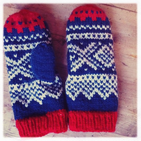 Norwegian Hand knit mittens - I need me a good pair of these for the winter time.