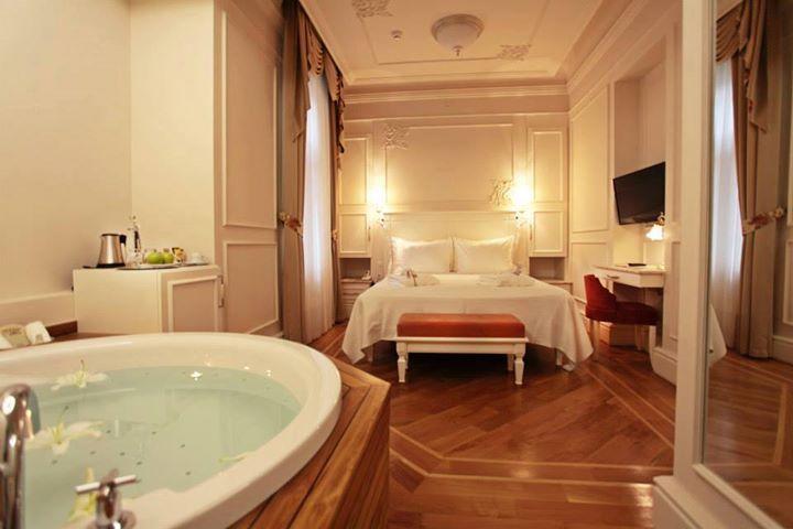 En güzel cuma günü burada geçirilen cuma günüdür! Bize katılan ve hemen en sevilen bu odamıza ışınlanmak isteyen var mı? http://www.corinnehotel.com/blog/