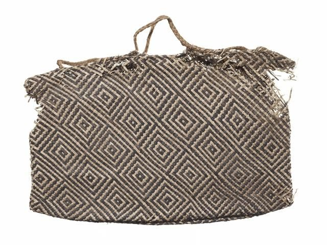 Object: Kete whakairo (patterned bag) | Collections Online - Museum of New Zealand Te Papa Tongarewa