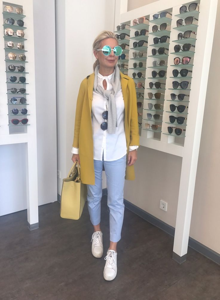 new sunglasses trend…irresistore … handmade … perfect with spring outfit …. Frühlingsoutfit … gelber Mantel von Herno … weiße Plateausneaker von ash … gelbe Tasche von coccinelle … Hose und trendy Bluse von Cinque … schokoladenjahre.blog – Marina G