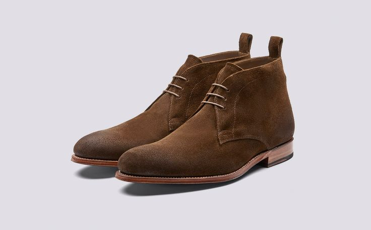 Marcus | Mens Chukka Boot in Snuff Burnishing Suede with a Leather Sole | Grenson Shoes - Three Quarter View