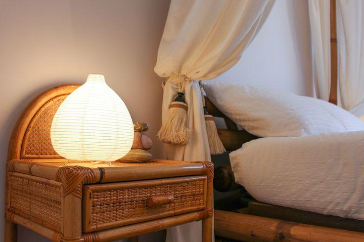 La Suite Lilla è arredata con mobili in stile in bambù e dispone di un comodo e accessoriato bagno privato.  #MaisonTizi #lovelysuite #suite #guesthouse #guesthouserome #vacanzeromane #passoscuro #fregene #fiumicino #igerslazio #visitrome #romeaccomodation #bnb #bedandbreakfast