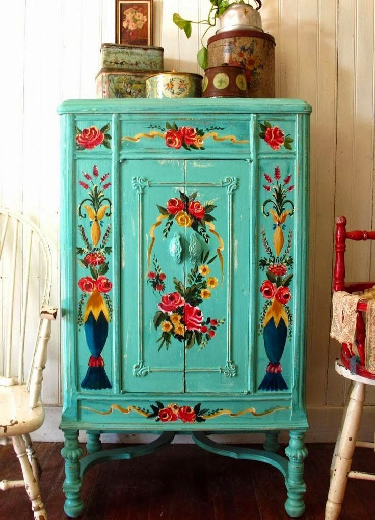 25 beste idee n over geschilderde garderobe op pinterest fel beschilderde meubels franse - Geschilderde bundel ...