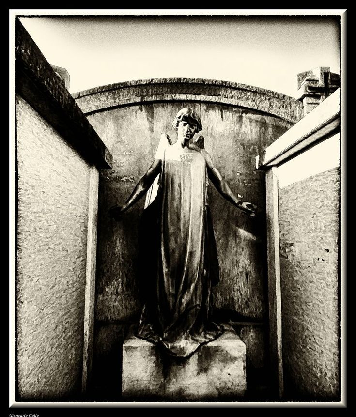 Around the corner ... by Giancarlo Gallo