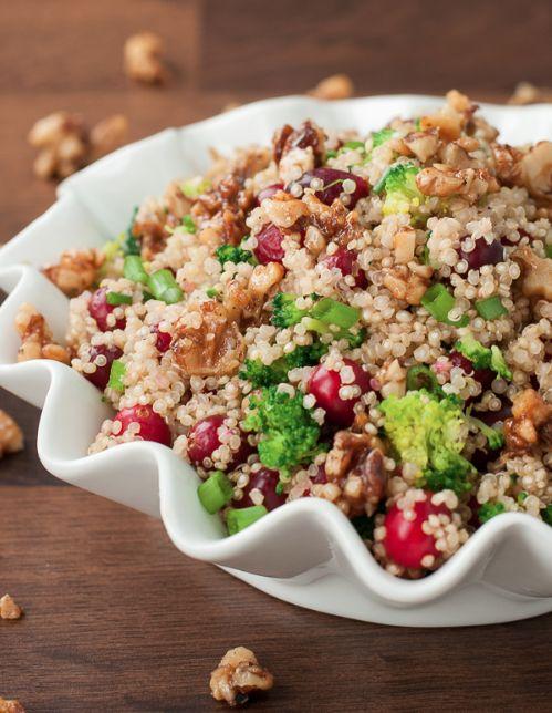 Recette: La fameuse salade de quinoa... MIAM! - Recettes - Recettes simples et géniales! - Ma Fourchette - Délicieuses recettes de cuisine, astuces culinaires et plus encore!