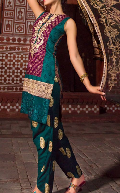Pakistani Designer Lawn dresses 2016 brings you premium prints in various colors. The colors are fresh and are presented according to the prevailing trends this season. We have the largest online collection of stitched cotton lawn suits at attractive prices. Visit Here http://www.786shop.com/dresses/designer-lawn