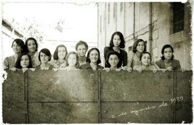 Un recuerdo para las trece rosas