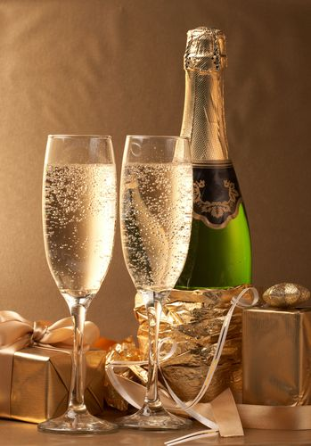 Champagne | More lusciousness at http://mylusciouslife.com/photo-galleries/inspiring-photos-fan-favourites/