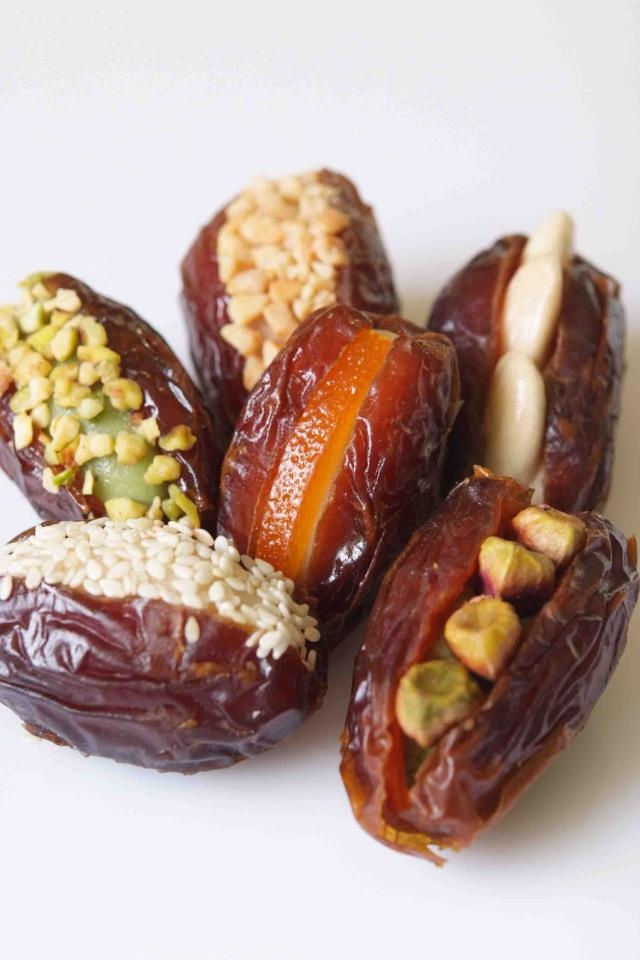 Did you know that dates are a source of antioxidants? Enjoy a healthy treat with this assortment!    Flavors include Pistachio, Cashew, Almond, Orange and Sesame.