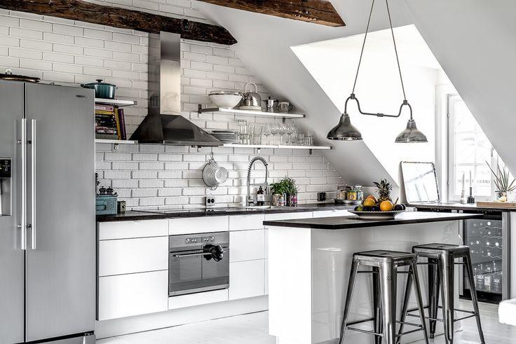 Poutres patinées et décoration contemporaine - PLANETE DECO a homes world