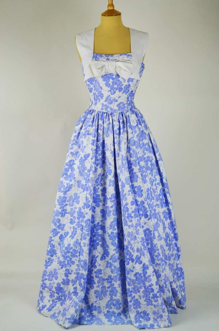 1950s vintage cotton dress by Horrockses (UK) -blue and white floral with bow at front