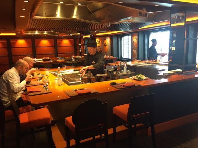 cocina en vivo, restaurante japones en el smc Meraviglia