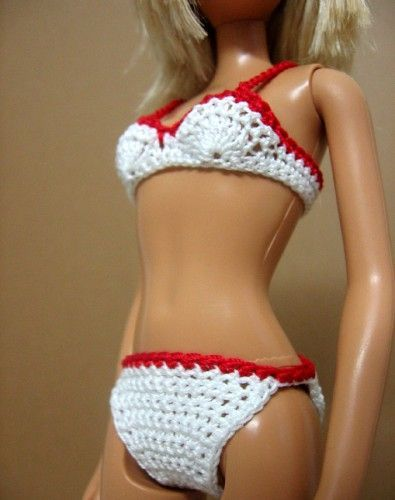 Handmade crocheted clothes for fashion dolls Barbie and Blythe, crocheted flower appliques: How to crochet bikini top for Barbie doll - tutorial for beginners