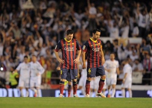 """バルセロナMFシャビ、""""クラシコ""""敗退に落胆「2つのミスで落とした」 – サッカーキング"""