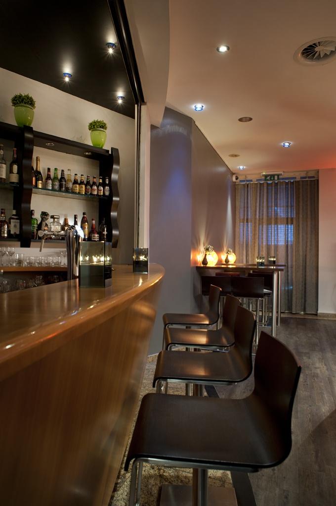 Bar at Inntel Hotels Amsterdam Centre