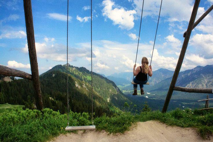 Der Bergspielplatz an der Kolbensattelhütte ist ein Spielplatz der ganz besonderen Art! Der weite Blick über das Ammertal bildet die Kulisse für einen Erlebn...