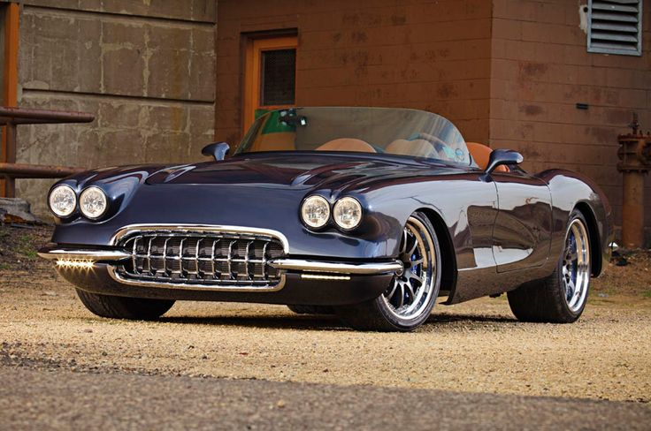 Keep it original, or make it even better with modern performance technology? Gumer's amazing pro-touring '59 Corvette was built by Wisconsin's AutoKraft Race Cars & Restoration. It's powered by a 550HP 376ci LS3 and rides on 18x10/19x12 Forgeline ZX3R wheels finished with Gunmetal centers, Polished outers, exposed hardware, & the bolt-on Competition center cap! See more at: http://www.forgeline.com/customer_gallery_view.php?cvk=1828 #Corvette #protouring Photo courtesy of Super Chevy…