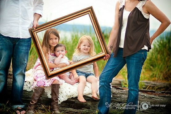 Family Picture- such a cute idea