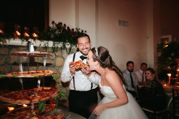 Pizza Wedding Cake - Simplemost
