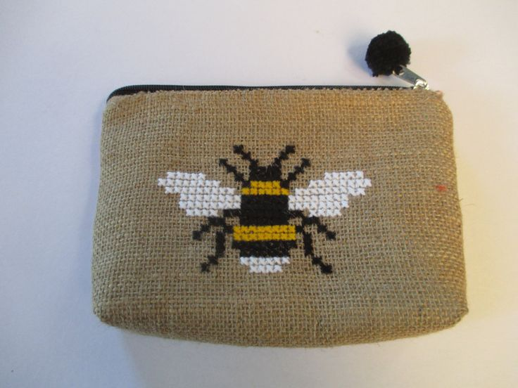 Bee burlap pouch bag, cross stitch embroidery ,accessories pouch, handmade pouch, travel accessory by Apopsis on Etsy
