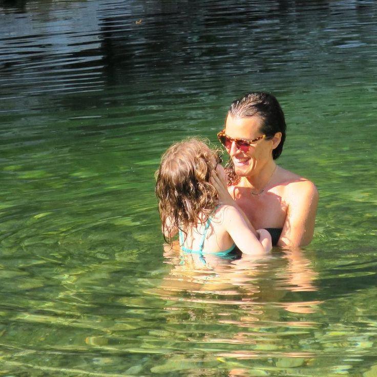 Câlin mouillé  #love #amour #câlin #mygirl #mylove #mykids #maviedemaman #maman #mumlife #mum #ardeche #riviere #princessetamtam #jimmyfairly . . Wet Cuddly