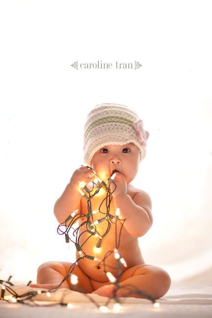 Baby's 1st Christmas picture. Love this idea!: Pictures Ideas, Christmas Cards, Cards Ideas, Babies First Christmas, Christmas Pictures, Photo Ideas, Christmas Lights, Christmas Photos, Baby Photos