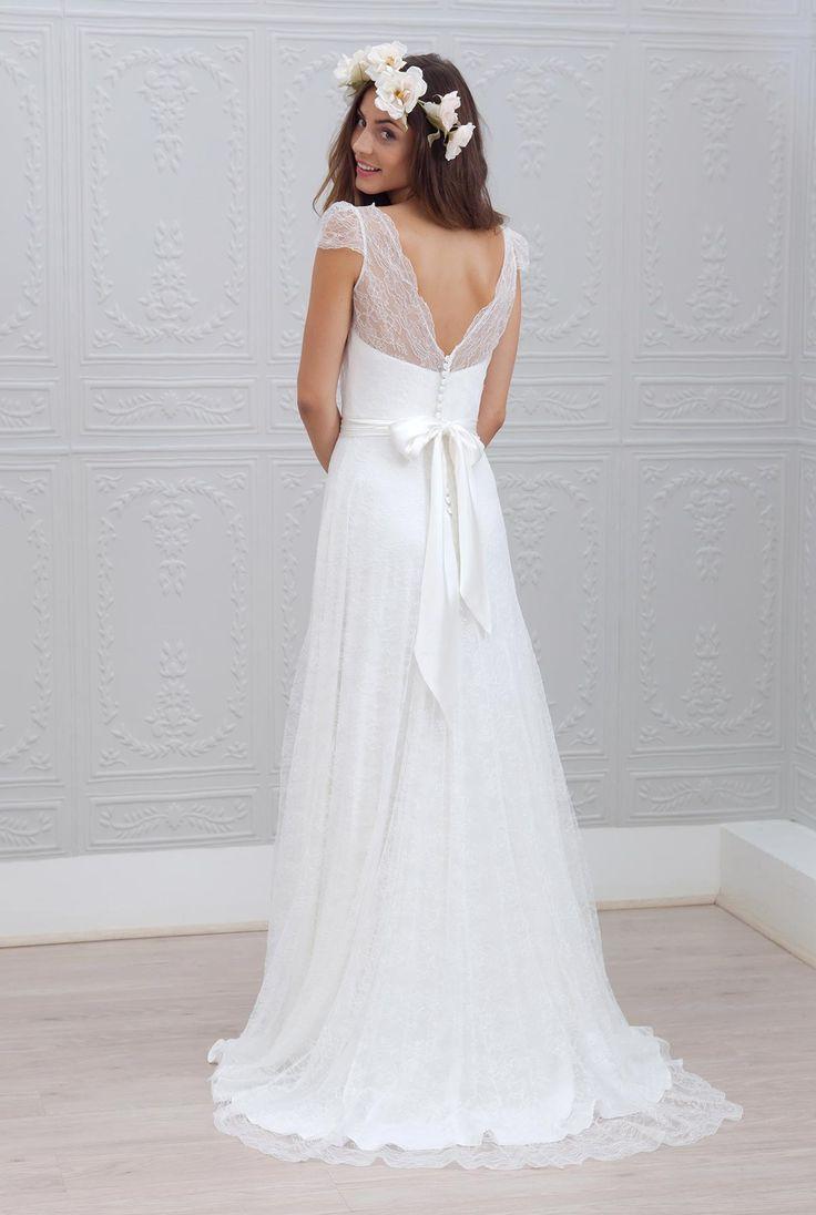 Celestina - Collection 2015 de Marie laporte - Robe de mariée en en satin de soie et dentelle chantilly.