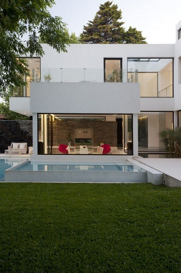 modern residence Freshome 191 Modern White Residence Which Seems to Rise from Water: Carrara House