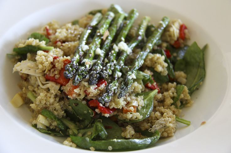 Quinoa Salad with Pesto, Peppers, Asparagus, Artichokes & Spinach ...