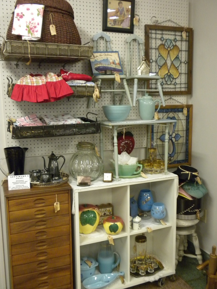 Jan '12 - another antique mall booth display