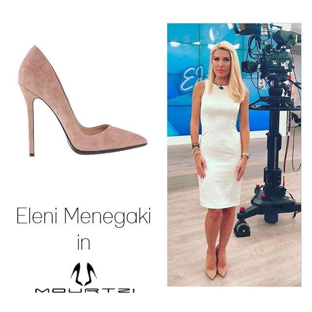 ΕΛΕΝΗ ΜΕΝΕΓΑΚΗ Eleni Menegaki in Mourtzi shoes #mourtzi #pumps #nude #elenimenegaki www.mourtzi.com
