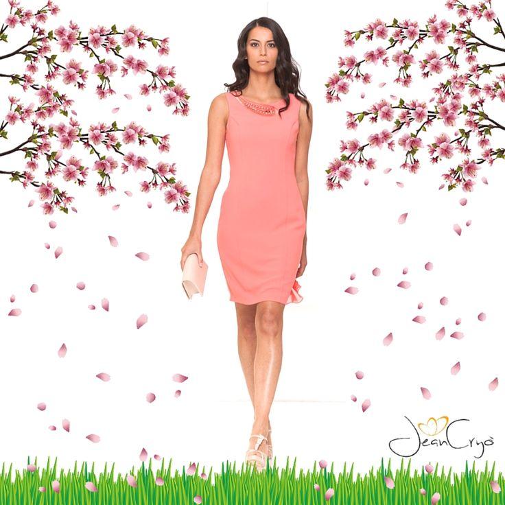 L' #outfit perfetto per il #weekend!  Un nuovo #look tutto da indossare :-) #Tubino in crêpe salmone con prezioso dettaglio sullo scollo... da sogno!  #fashion #newdress #newcollection #look2016 #moda #minidress #pink