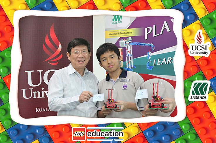 Participant Number: 009 & LEGO Theme: The Hand - Operated Tower